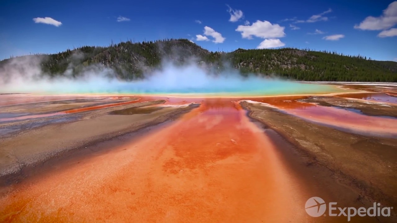 Yellowstone National Park Vacation Travel Guide